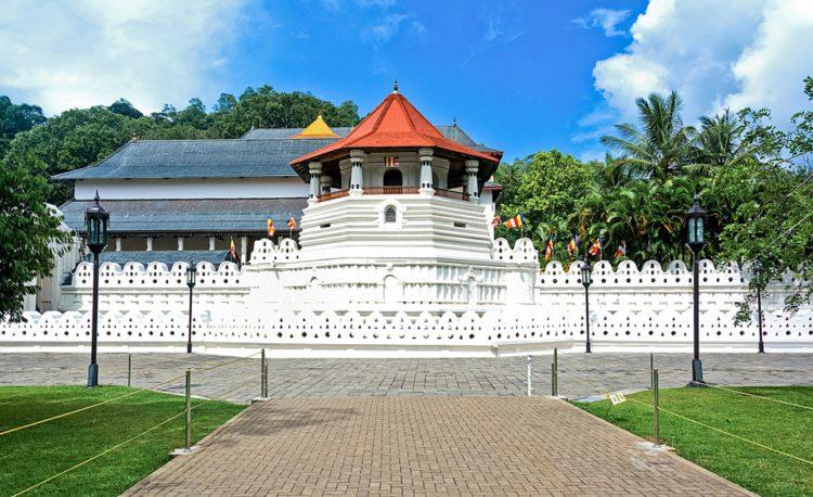 Храм Зуба Будды - достопримечательности Шри-Ланки
