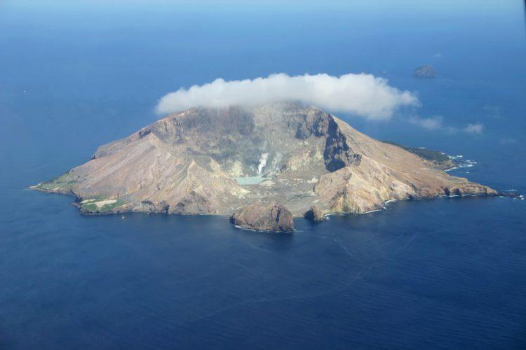 Вулкан Уайт-Айленд - достопримечательности Новой Зеландии