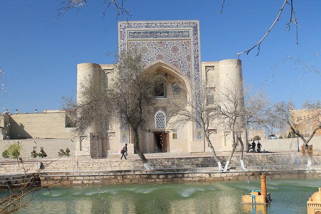 Ляби-Хауз в Бухаре - достопримечательности Узбекистана