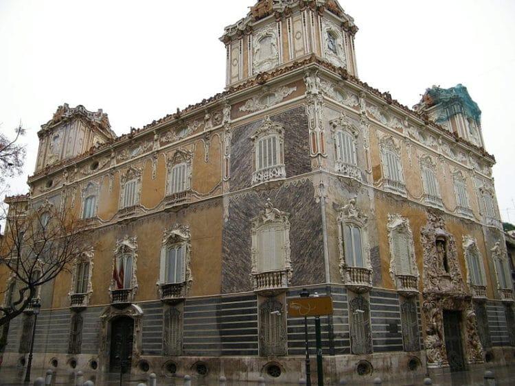 Дворец маркизов Дос Агуас - достопримечательности Валенсии