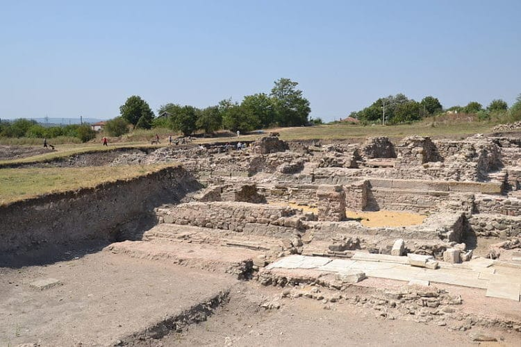 Руины древнего Деултума - достопримечательности Бургаса