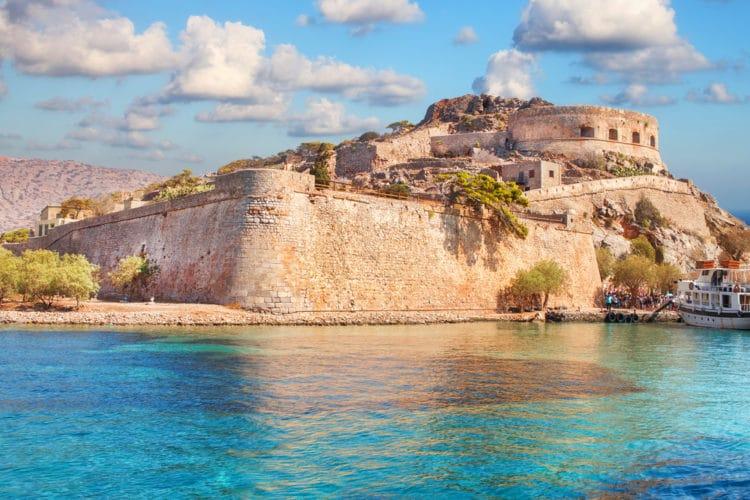 Остров-крепость Спиналонга - лостопримечательности Крита
