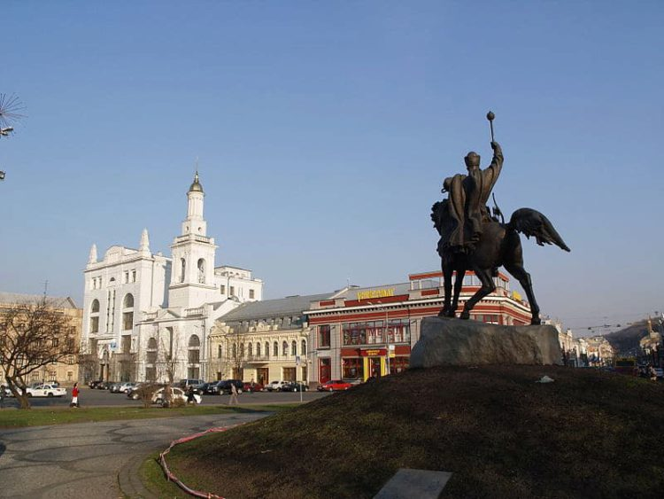 Контрактовая площадь - достопримечательности Киева