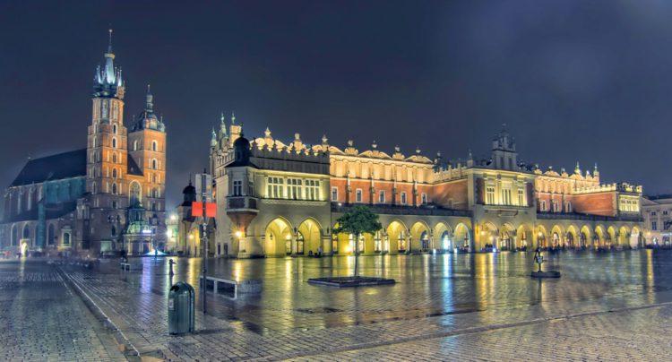 Рыночная площадь и Суконные ряды - достопримечательности Кракова