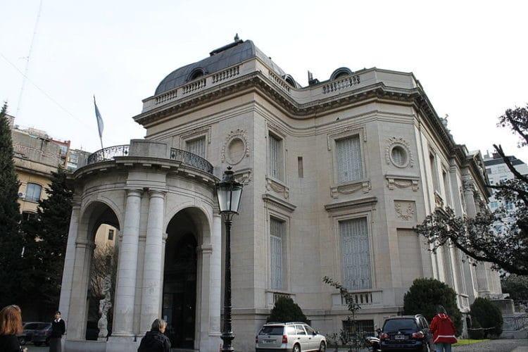 Национальный музей декоративного искусства - достопримечательности Буэнос-Айреса