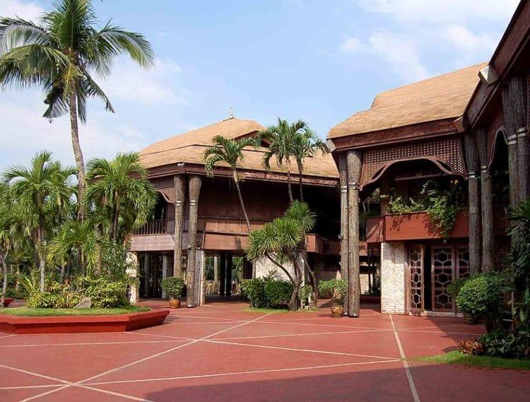 Кокосовый Дворец - достопримечательности Филиппин