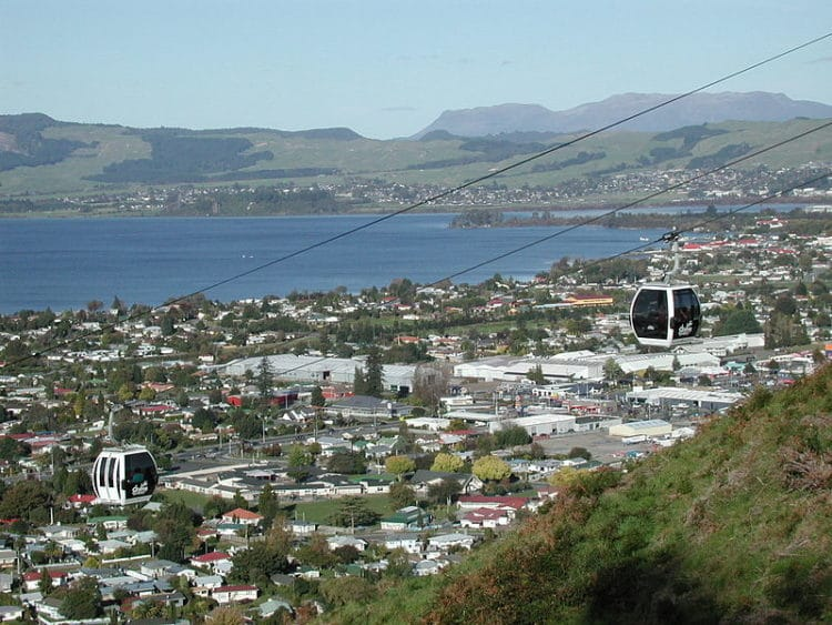 Город Роторуа - достопримечательности Новой Зеландии