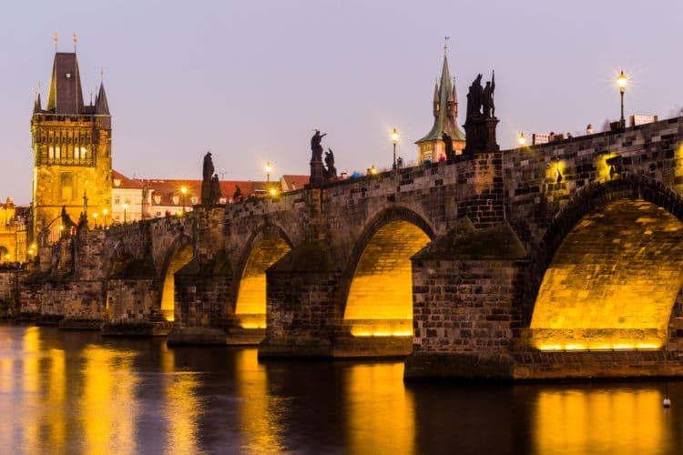 Карлов мост - достопримечательности Праги