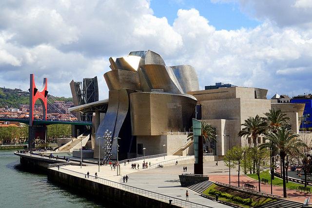 Музей Гуггенхайма - достопримечательности Бильбао