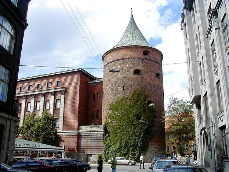 Пороховая башня - достопримечательности Риги