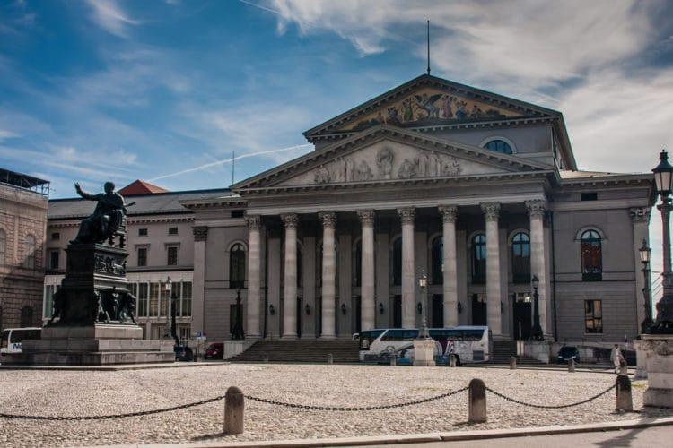 Баварская государственная опера - достопримечательности Мюнхена