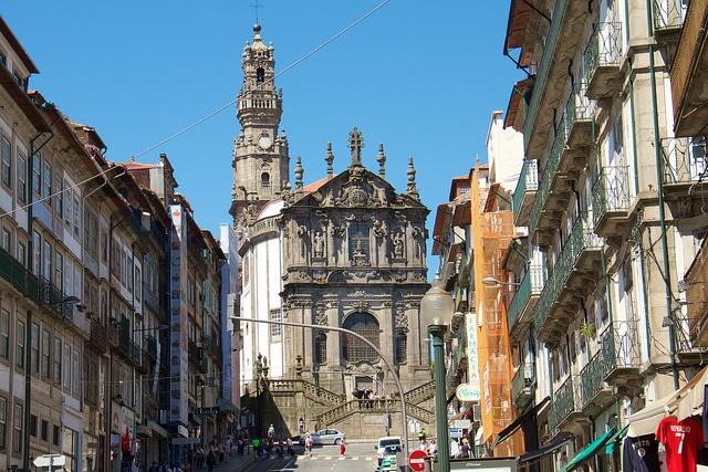 Церковь и Башня Клеригуш - достопримечательности Порту
