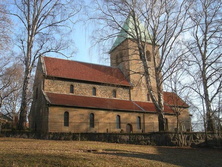 Старая церковь Акера - достопримечательности Осло