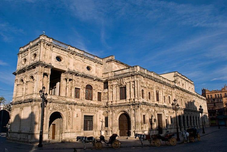 Здание Мэрии - достопримечательности Севильи
