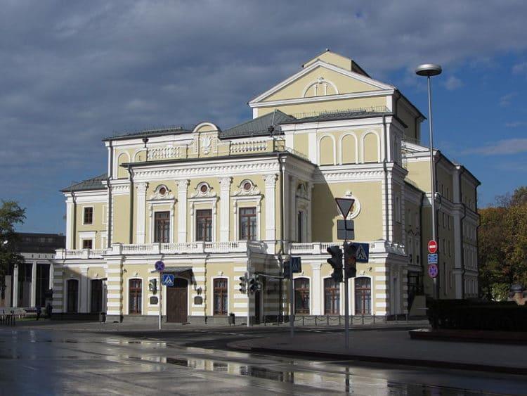Театр имени Янки Купалы - достопримечательности Минска