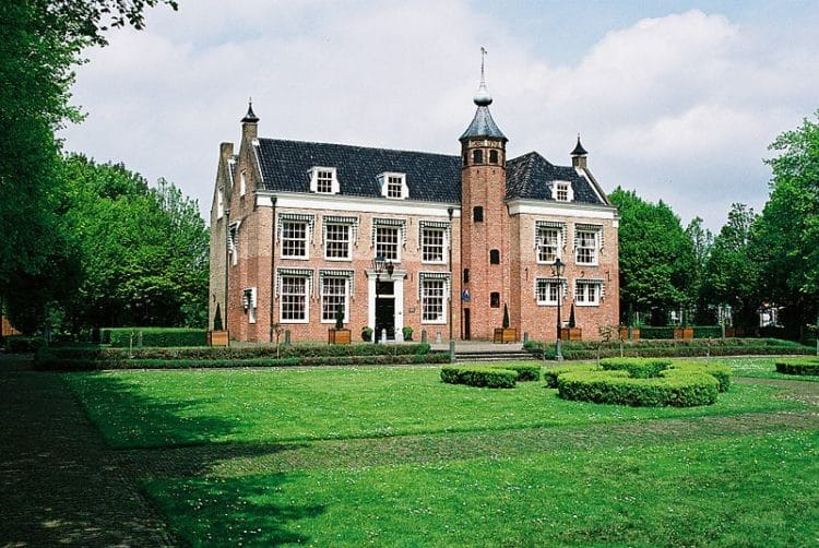 Замок Олипхант - достопримечательности Роттердама