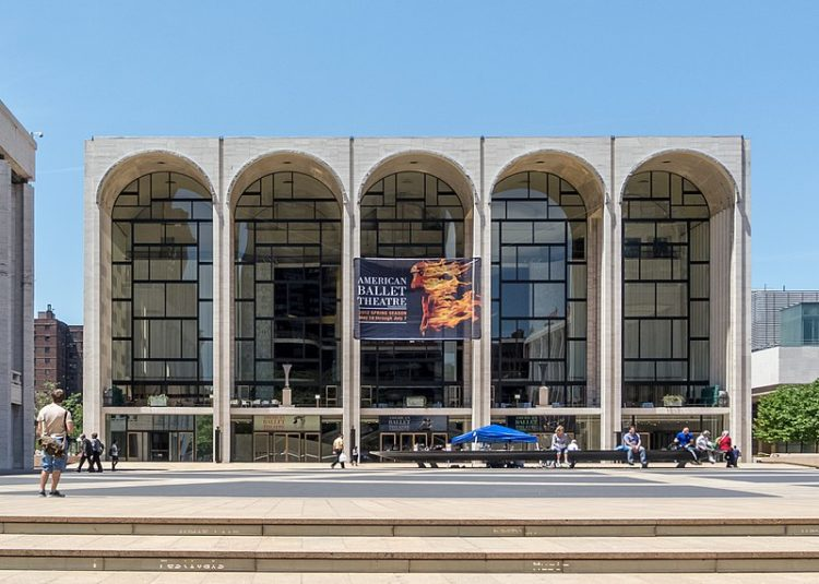 Метрополитен-опера - достопримечательности Нью-Йорка