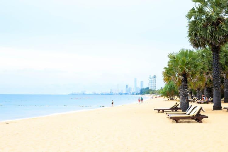 Пляж Джомтьен - достопримечательности Паттайи