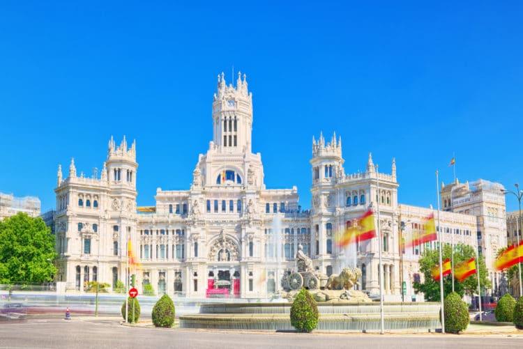 Дворец и фонтан Сибелес - достопримечательности Мадрида