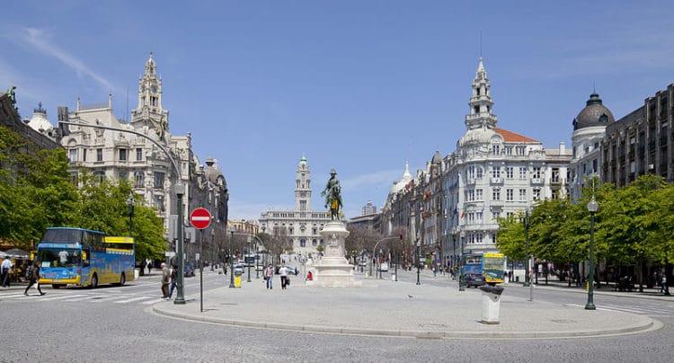 Площадь Свободы - достопримечательности Порту