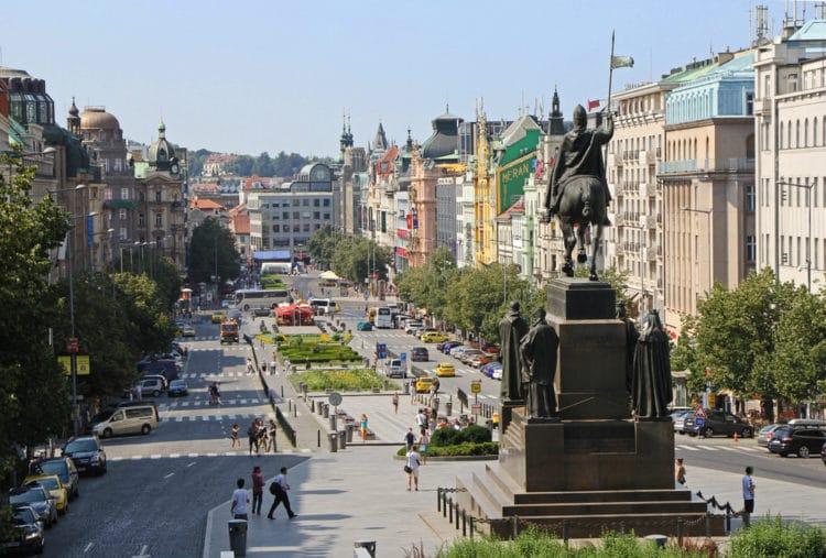 Вацлавская площадь - достопримечательности Праги