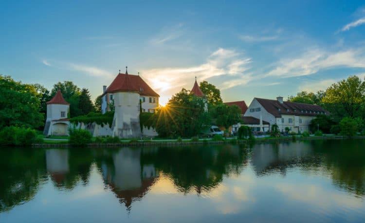 Замок Блютенбург - достопримечательности Мюнхена