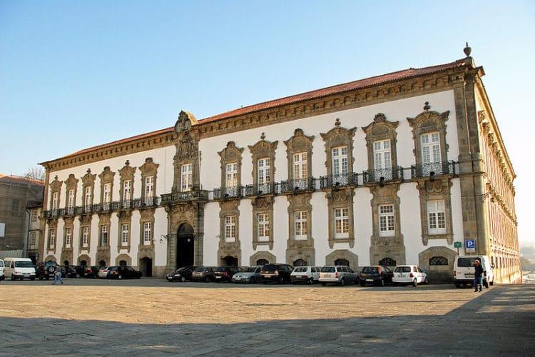 Епископский дворец - достопримечательности Порту