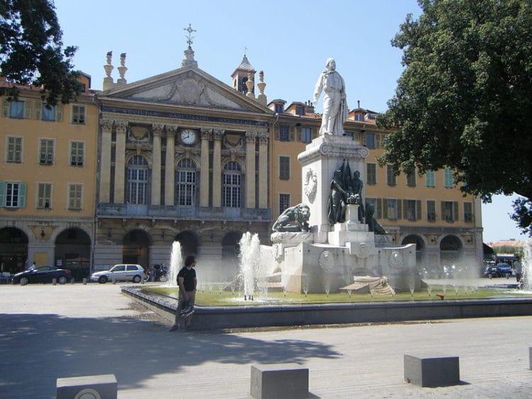 Площадь Гарибальди - достопримечательности Ниццы