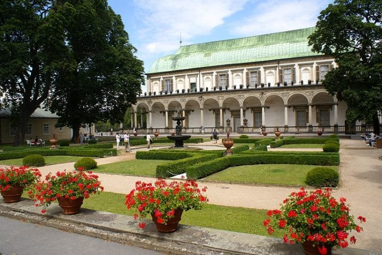 Летний дворец королевы Анны - достопримечательности Праги
