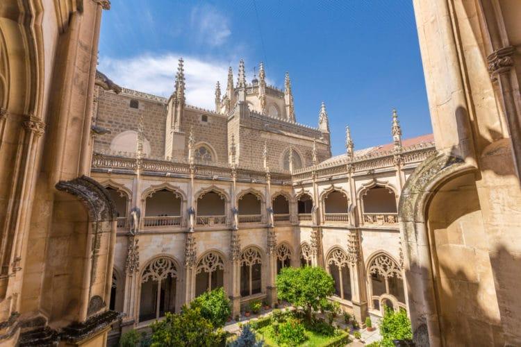 Монастырь Сан-Хуан-де-лос-Рейес - достопримечательности Толедо
