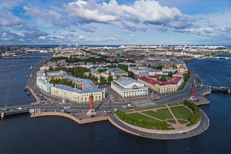 Стрелка Васильевского острова - достопримечательности Санкт-Петербурга