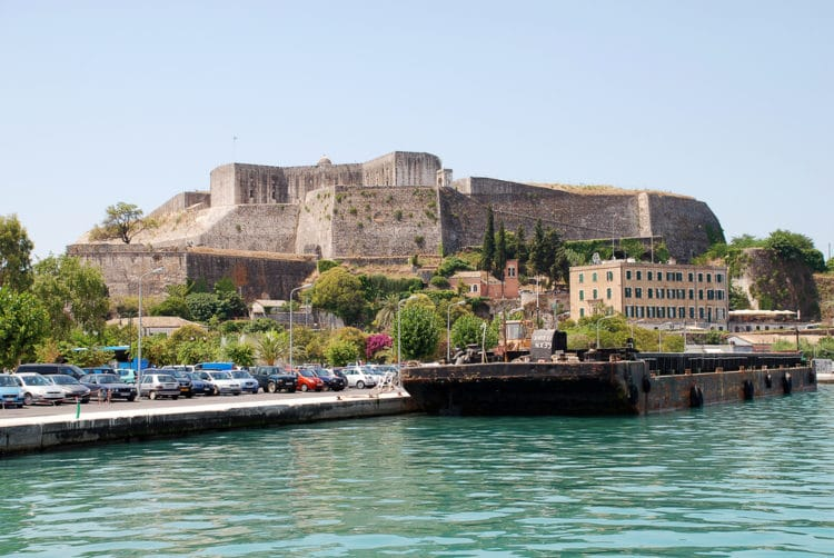 Крепость Нео Фрурио - достопримечательности Корфу