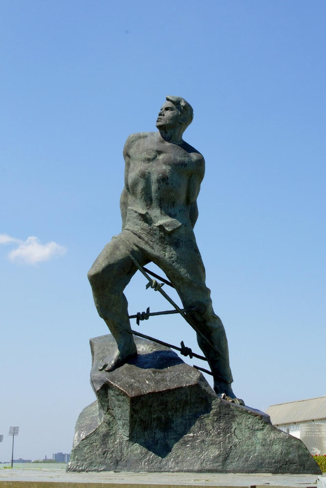 Памятник Мусе Джалилю - достопримечательности Казани