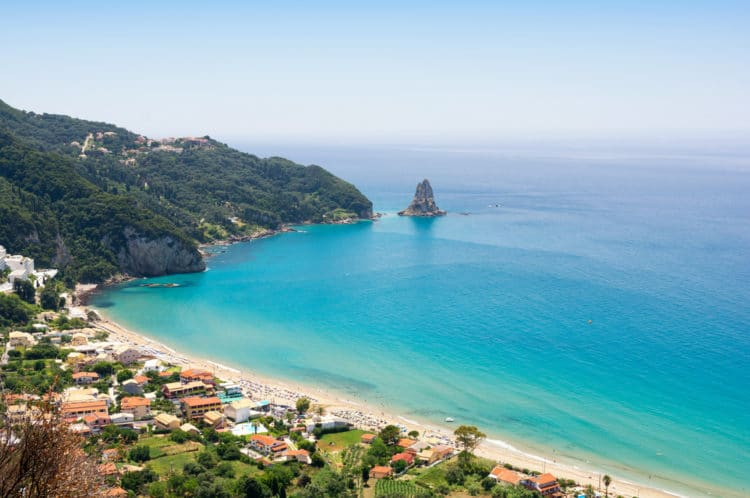 Пляж Агиос Гордиос - Что посмотреть в Корфу