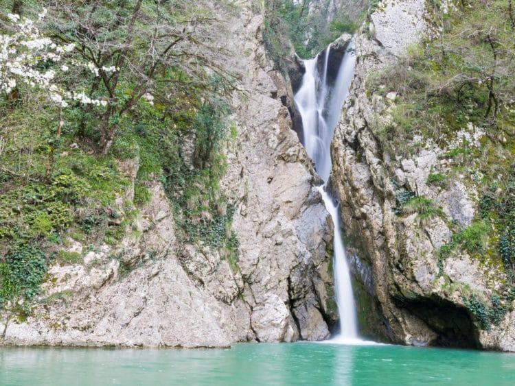 Агурские водопады - достопримечательности Сочи