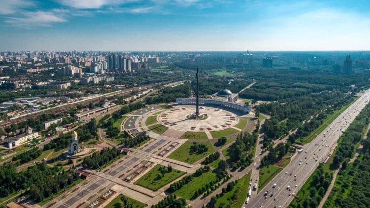 Парк Победы на Поклонной горе - достопримечательности Москвы