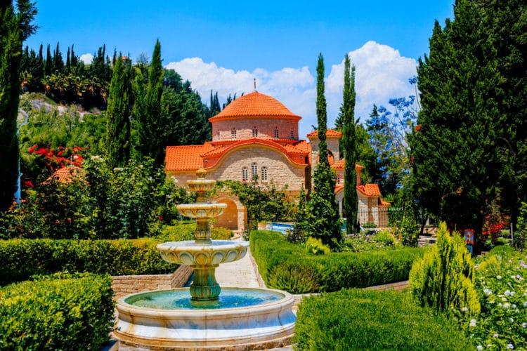 Монастырь Святого Георгия Аламану - достопримечательности Лимассола