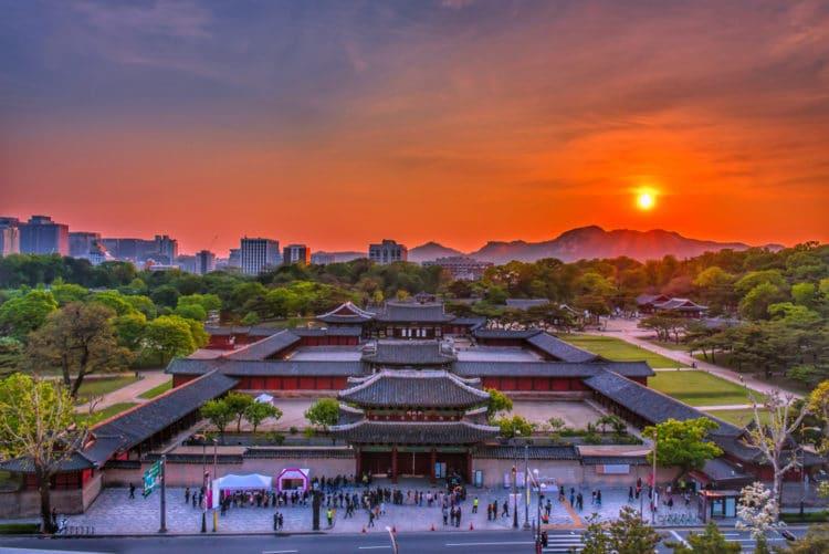 Дворец Чхангёнгун - достопримечательности Сеула