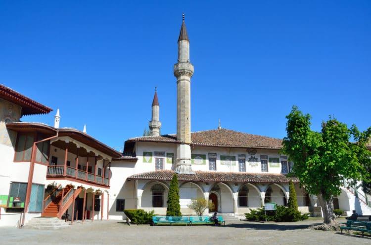 Ханский дворец в Бахчисарае - достопримечательности Крыма