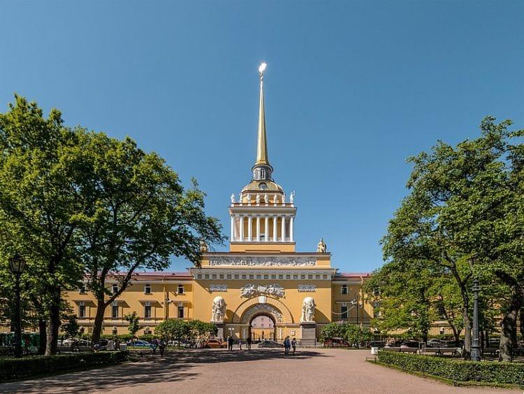 Здание главного Адмиралтейства - достопримечательности Санкт-Петербурга