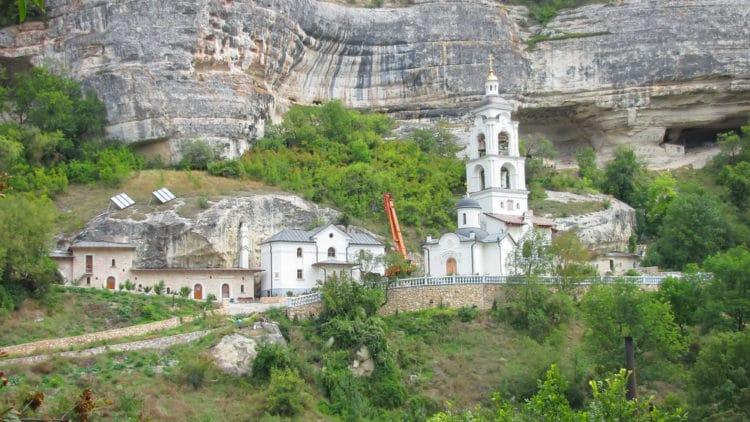 Успенский пещерный монастырь - достопримечательности Крыма
