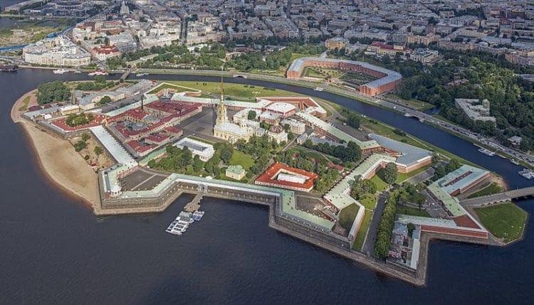 Петропавловская крепость - достопримечательности Санкт-Петербурга