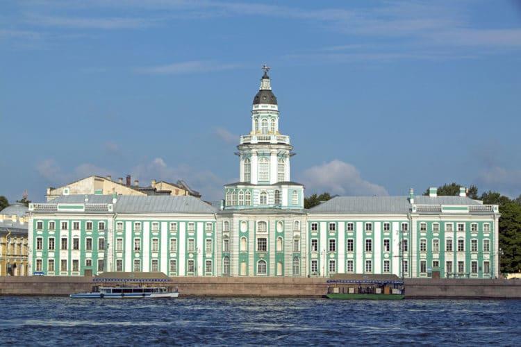 Кунсткамера - достопримечательности Санкт-Петербурга