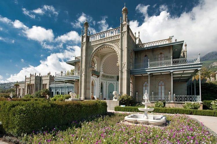 Воронцовский дворец - достопримечательности Крыма