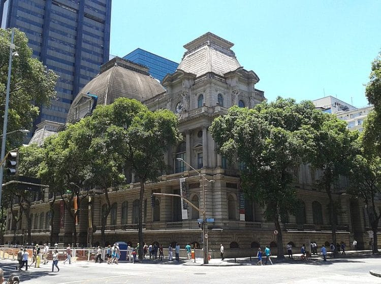Национальный музей изящных искусств - достопримечательности Рио-де-Жанейро