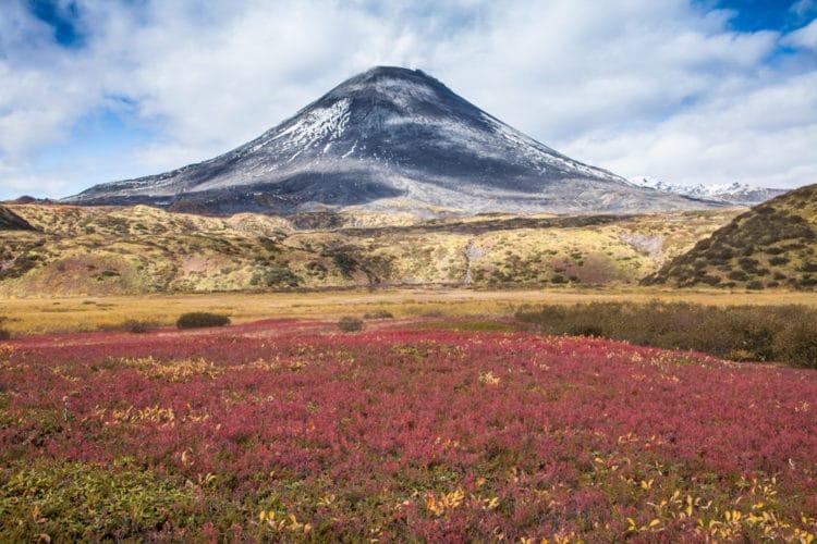 Вулкан Карымский (Карымская сопка) - достопримечательности Камчатки