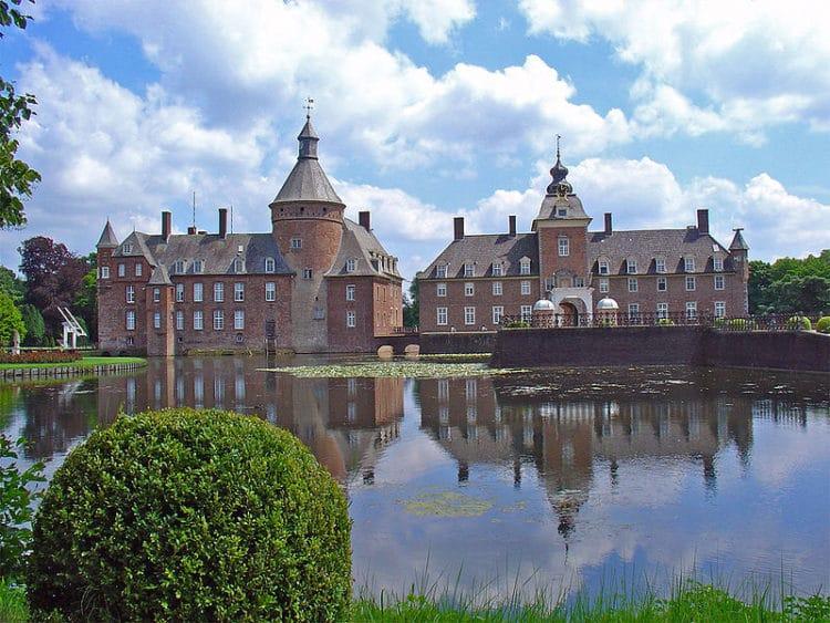 Замок «Вассербург-Анхольт» - достопримечательности Дортмунда