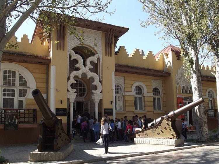 Евпаторийский краеведческий музей - достопримечательности Евпатории