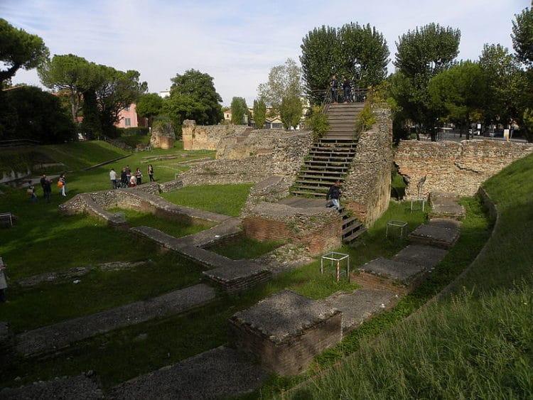 Амфитеатр - достопримечательности Римини