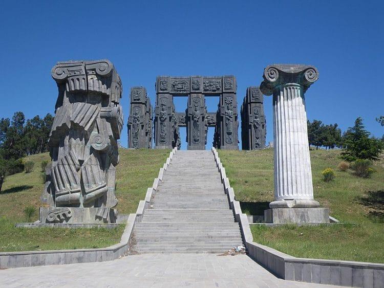 Монумент «История Грузии» - достопримечательности Тбилиси